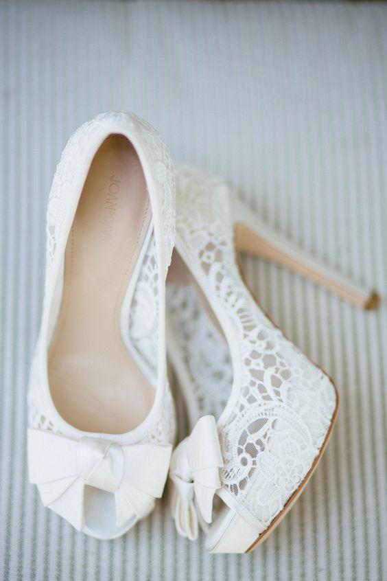 Chaussures mariage dentelle blanche l La Fiancee du Panda blog mariage et lifestyle