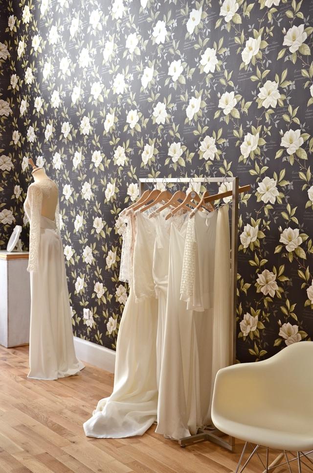 Boutique robe de mariee lyon just a perfect day rime for Boutiques de robe de mariage kansas city