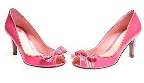 Chaussures-de-mariee-rose-Annabel-Winship.jpg