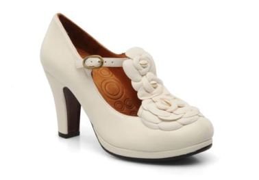 Chaussures de mariee vintage blanches chie mihara fiancee du panda