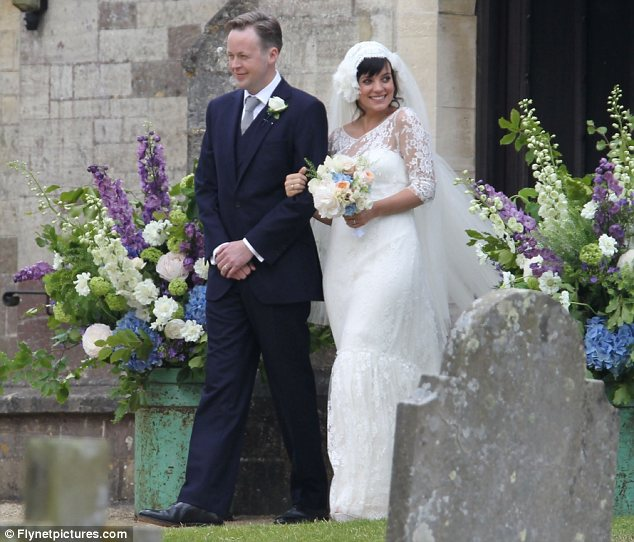 Mariage enceinte - Lily Allen - la fiancee du panda