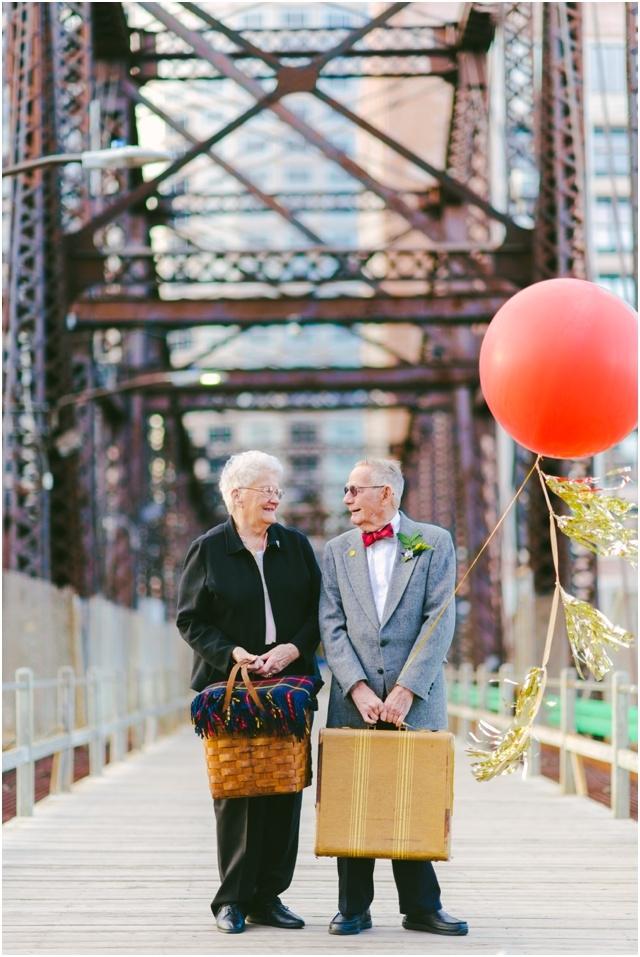 Anniversaire de mariage theme La Haut couple de petits vieux - Cambria Grace - LaFianceeduPanda.com_0014
