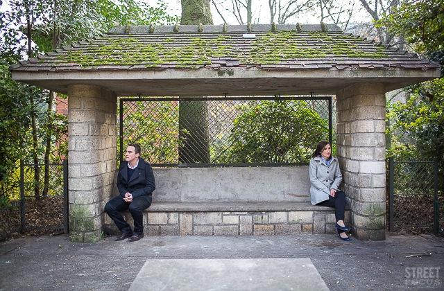 Seance couple parc Buttes Chaumont Paris - Photographe Streetfocus - La Fiancee du Panda Blog mariage