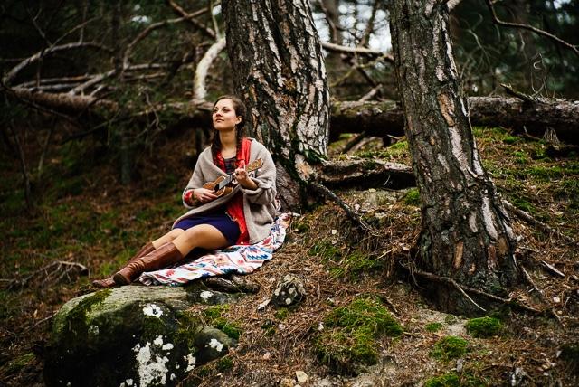 Seance photo couple western foret - Photo L'Artisan Photographe - La Fiancee du Panda Blog Mariage et Lifestyle-51