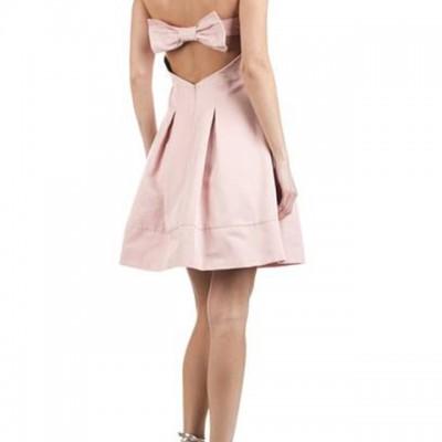 Robe bustier rose sin quanone for La conservation de robe de mariage de noeud