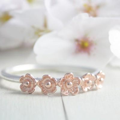 Bague fine fleurs or rose Etsy l La Fiancee du Panda blog mariage