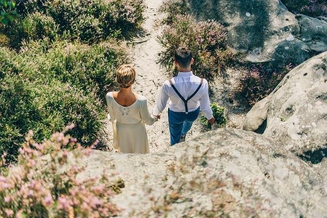 Mariage dans la foret shooting inspiration La Cerf des Confidences - photo Fabien les Bons Moments  - La Fiancee du Panda blog mariage-22