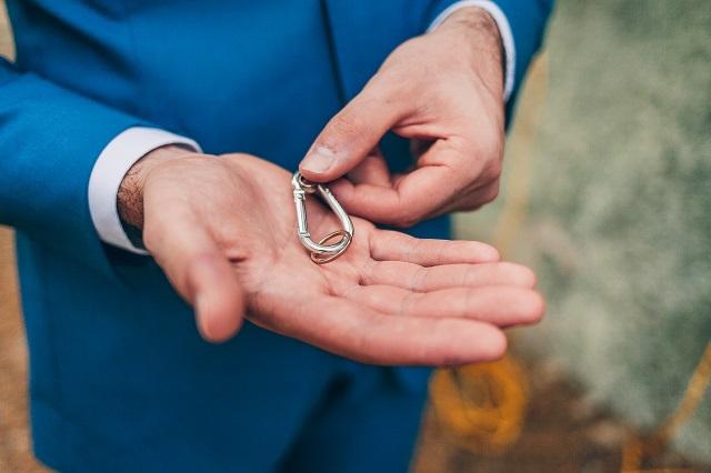 Mariage dans la foret shooting inspiration La Cerf des Confidences - photo Fabien les Bons Moments  - La Fiancee du Panda blog mariage-76