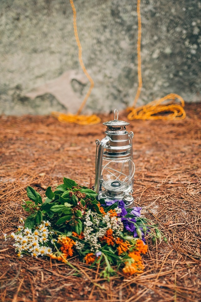 Mariage dans la foret shooting inspiration La Cerf des Confidences - photo Fabien les Bons Moments - La Fiancee du Panda blog mariage-96
