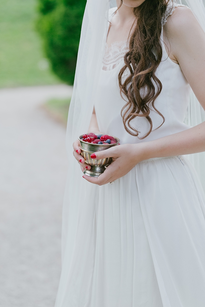 Shooting inspiration deco mariage rouge et blanc classique chic - Harmonia Events - Photo Maria Heinish photography -  - La Fiancee du Panda Blog mariage-18