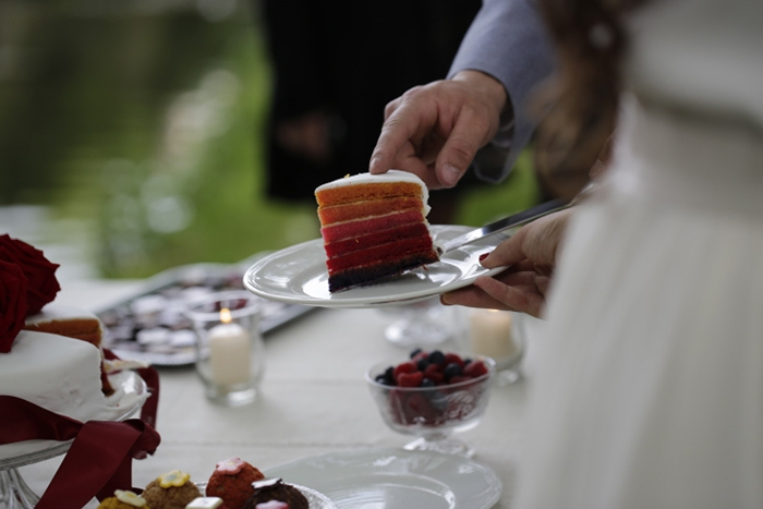Shooting inspiration deco mariage rouge et blanc classique chic - Harmonia Events - Photo Maria Heinish photography -  - La Fiancee du Panda Blog mariage-37