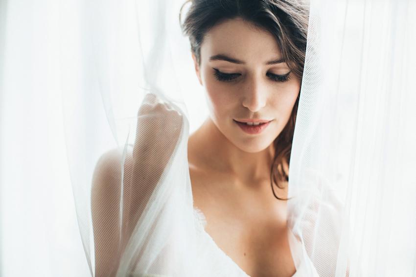 Sophie Sarfati robe de mariee creatrice a Paris - Stylisme La Fiancee du Panda - photos Yann Audic  -shooting ambiance blog mariage-9407