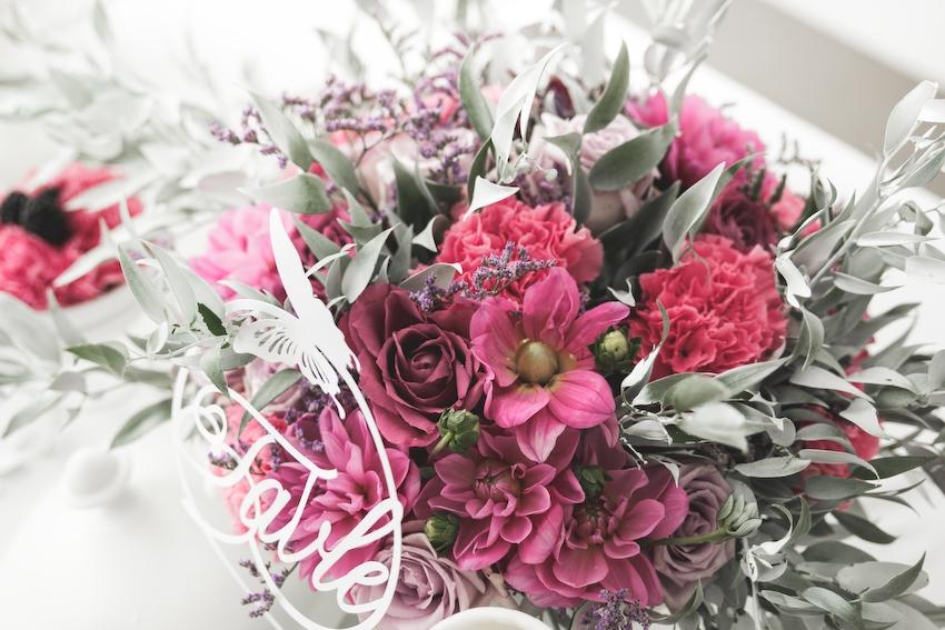Inspiration deco mariage en blanc l Photos La Femme Gribouillage - fleurs Lily Paloma l La Fiancée du Panda blog mariage--14