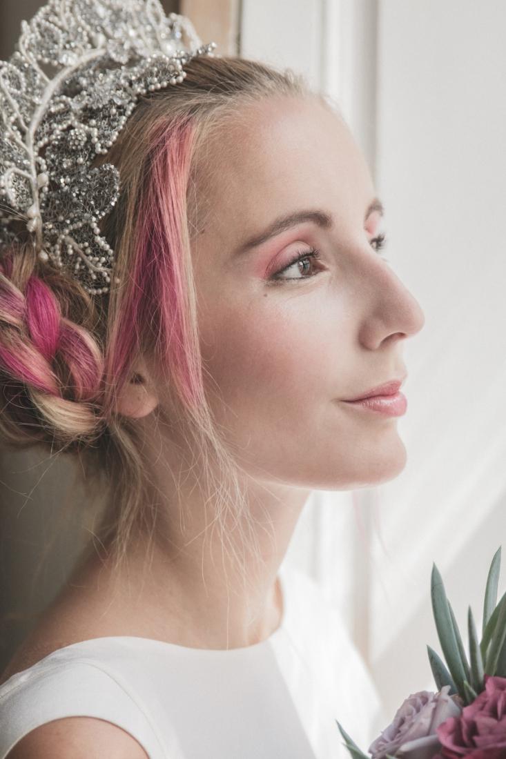 Inspiration deco mariage en blanc l Photos La Femme Gribouillage - fleurs Lily Paloma l La Fiancée du Panda blog mariage--22