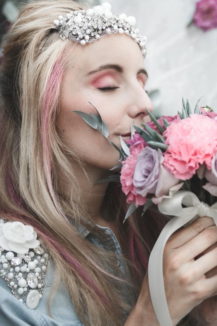 Inspiration deco mariage en blanc l Photos La Femme Gribouillage - fleurs Lily Paloma l La Fiancée du Panda blog mariage--29