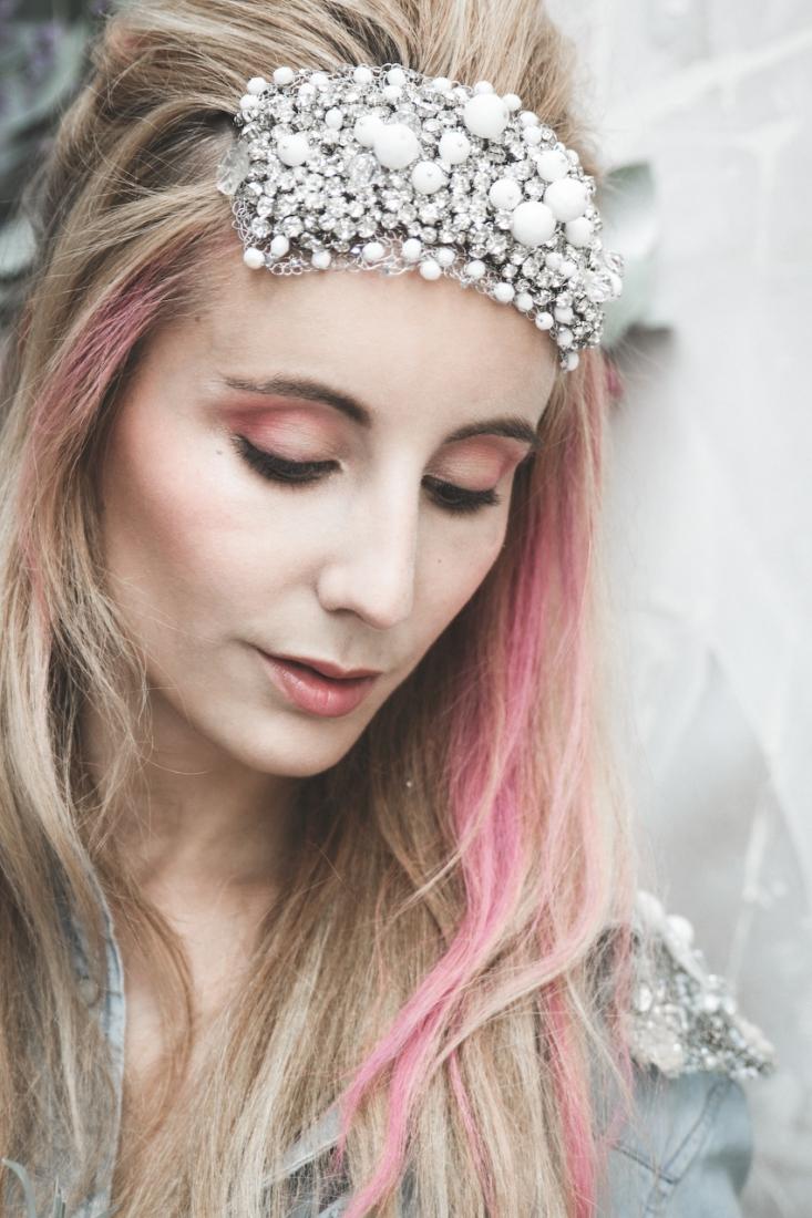 Inspiration deco mariage en blanc l Photos La Femme Gribouillage - fleurs Lily Paloma l La Fiancée du Panda blog mariage--30