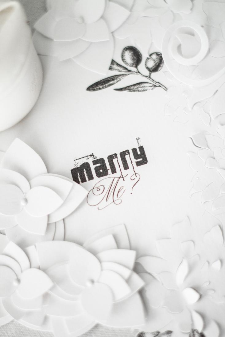 Inspiration deco mariage en blanc l Photos La Femme Gribouillage - fleurs Lily Paloma l La Fiancée du Panda blog mariage--35