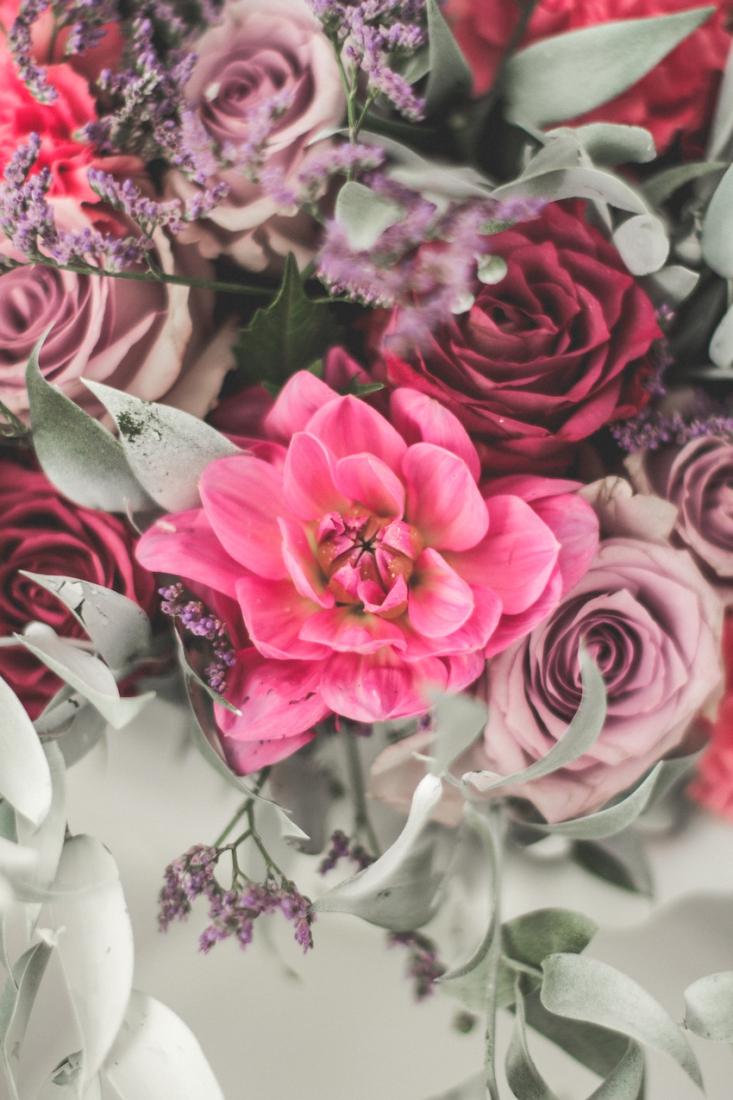Inspiration deco mariage en blanc l Photos La Femme Gribouillage - fleurs Lily Paloma l La Fiancée du Panda blog mariage--36