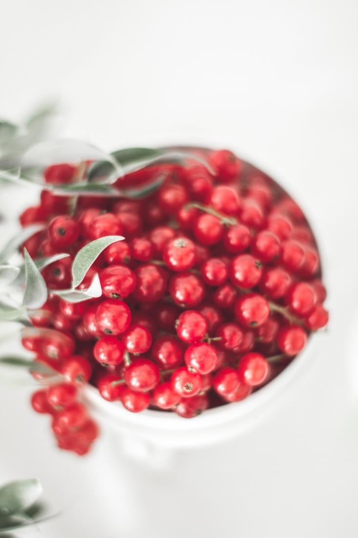 Inspiration deco mariage en blanc l Photos La Femme Gribouillage - fleurs Lily Paloma l La Fiancée du Panda blog mariage--40