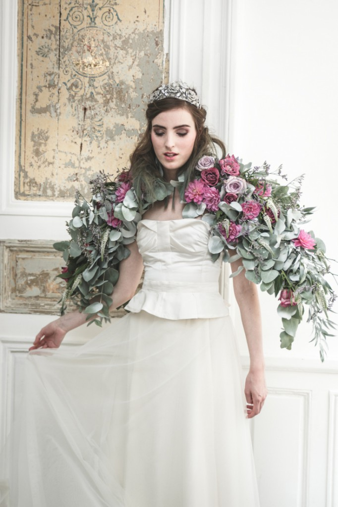 Inspiration deco mariage en blanc l Photos La Femme Gribouillage - fleurs Lily Paloma l La Fiancée du Panda blog mariage--5