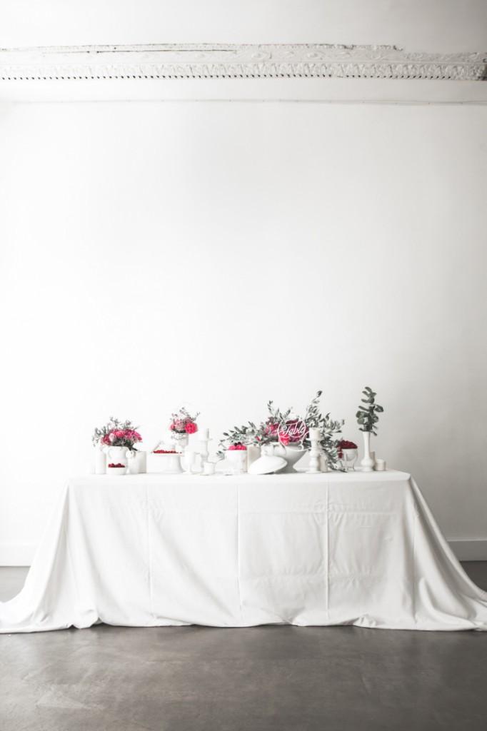 Inspiration deco mariage en blanc l Photos La Femme Gribouillage - fleurs Lily Paloma l La Fiancée du Panda blog mariage--52