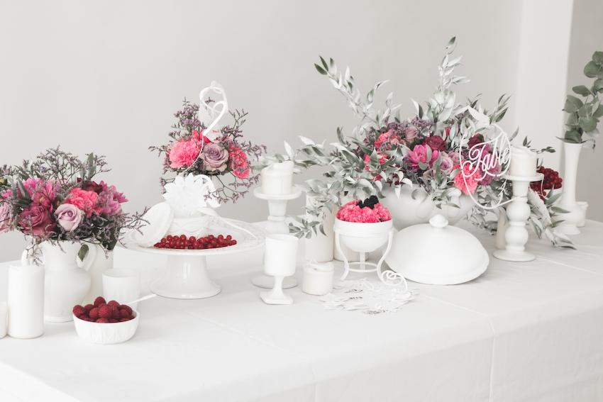 Inspiration deco mariage en blanc l Photos La Femme Gribouillage - fleurs Lily Paloma l La Fiancée du Panda blog mariage--54