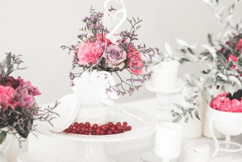 Inspiration deco mariage en blanc l Photos La Femme Gribouillage - fleurs Lily Paloma l La Fiancée du Panda blog mariage--56