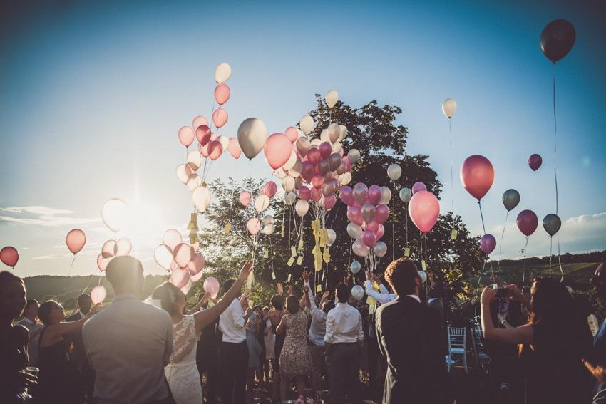 mariage theme voyage l domaine de matens toulouse l photos marion dunyach l wedding planner jours haaaan ce lcher de ballons - Lacher De Ballon Mariage