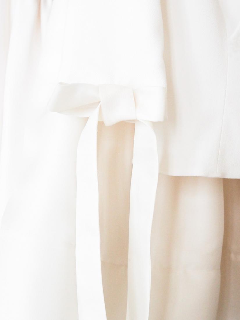 Robe de mari e delphine manivet la nouvelle collection for La conservation de robe de mariage de noeud