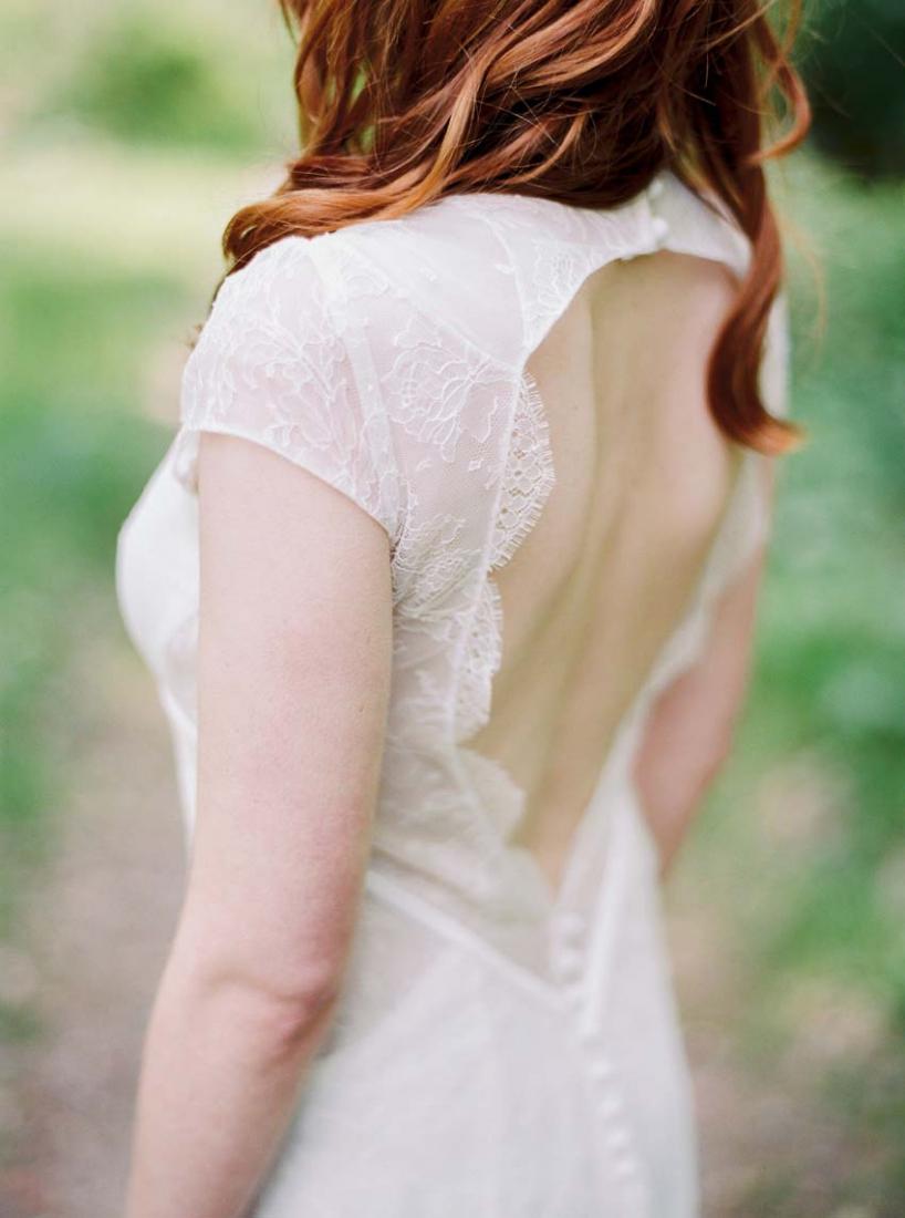 Robe de mariee sur mesure Stephanie Wolff Paris dos nu dentelle Blue l La Fiancee du Panda blog mariage