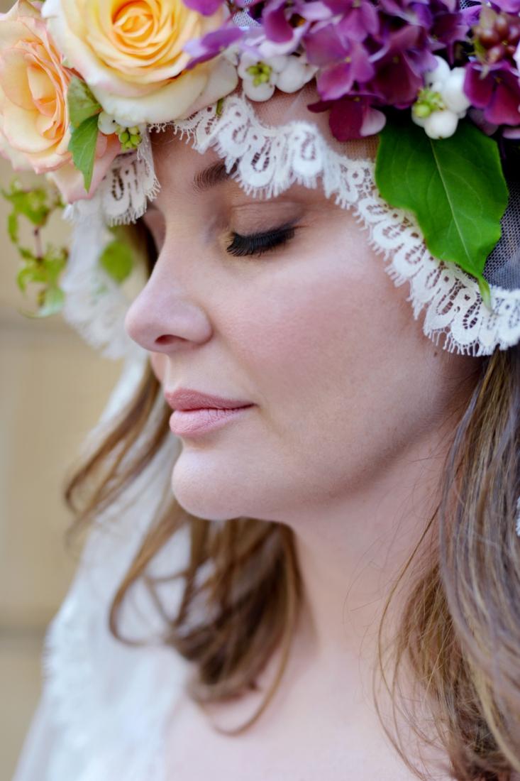 Belle Robe de mariee femme ronde Stephanie Wolff Paris l Photographe Julie Coustarot l DA et stylisme La Fiancee du Panda - blog mariage