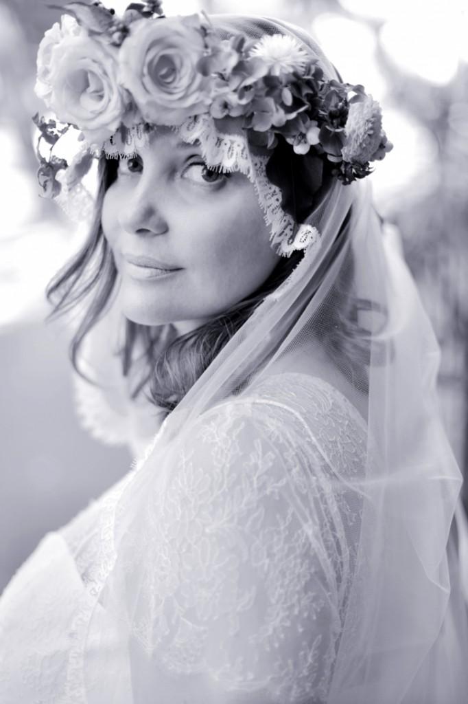 Robe de mariee belle femme ronde Stephanie Wolff Paris l Photographe Julie Coustarot l DA et stylisme La Fiancee du Panda - blog mariage