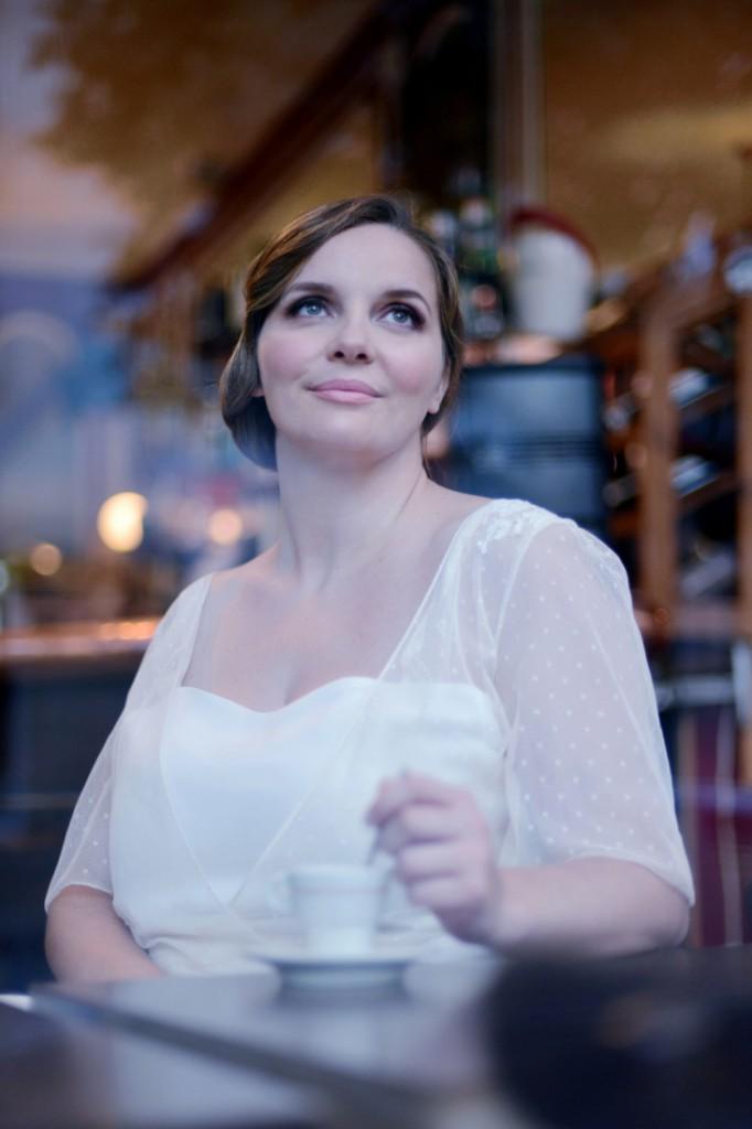 Robe de mariee femme ronde Stephanie Wolff Paris creatrice l Photographe Julie Coustarot l DA et stylisme La Fiancee du Panda - blog mariage