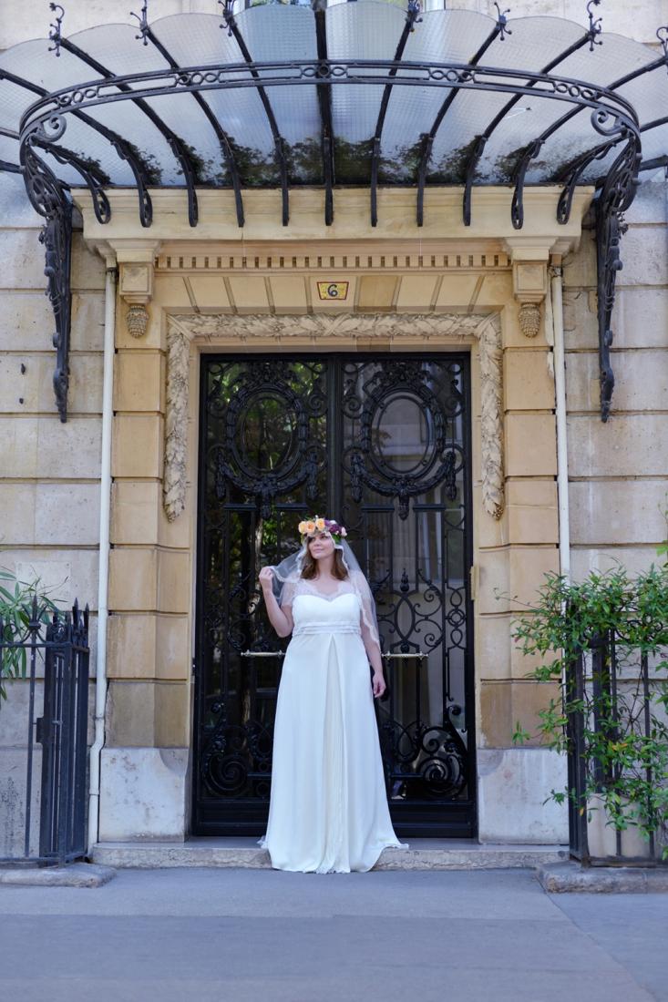 Robe de mariee grande taille createur Stephanie Wolff Paris l Photographe Julie Coustarot l DA et stylisme La Fiancee du Panda - blog mariage