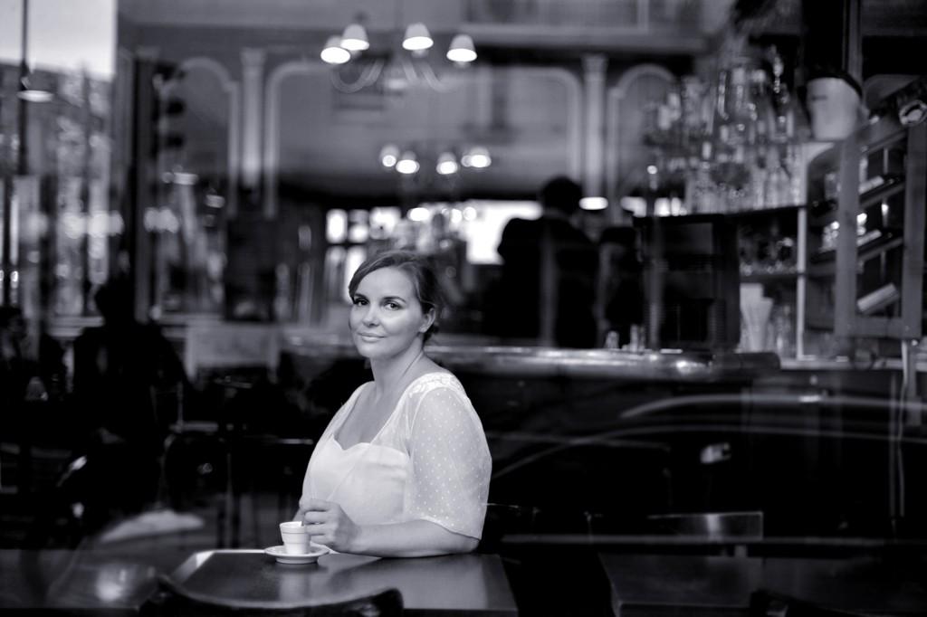 Robe de mariee femme ronde sur mesure Stephanie Wolff Paris l Photographe Julie Coustarot l DA et stylisme La Fiancee du Panda - blog mariage