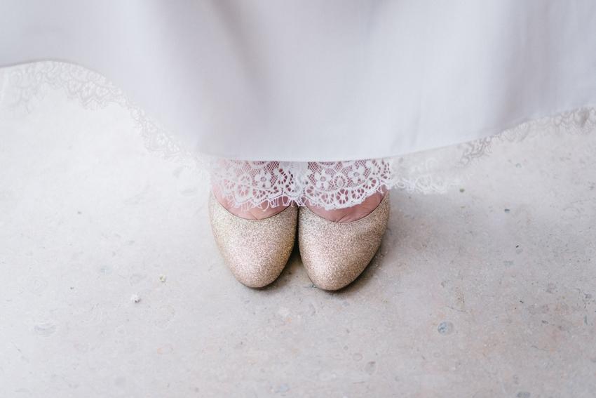 Lorafolk x Monoprix chaussures glitter escarpins dores l La Fiancee du Panda blog mariage