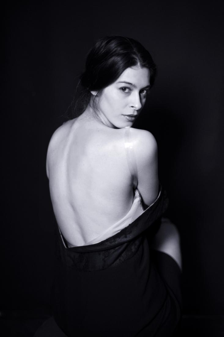 Face à la multitude de modèles de soutien-gorge dos nu qu'il est aujourd'hui possible de porter, il est parfois difficile de s'y retrouver et de porter ainsi le modèle qui correspond le plus à ses attentes, à sa morphologie, ou encore à sa tenue.