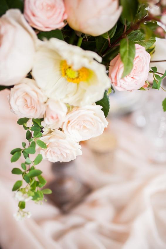 Mariage sur une peniche a Paris deco sur le theme du voyage l Photographe Marine Blanchard l La Fiancee du Panda blog mariage-153