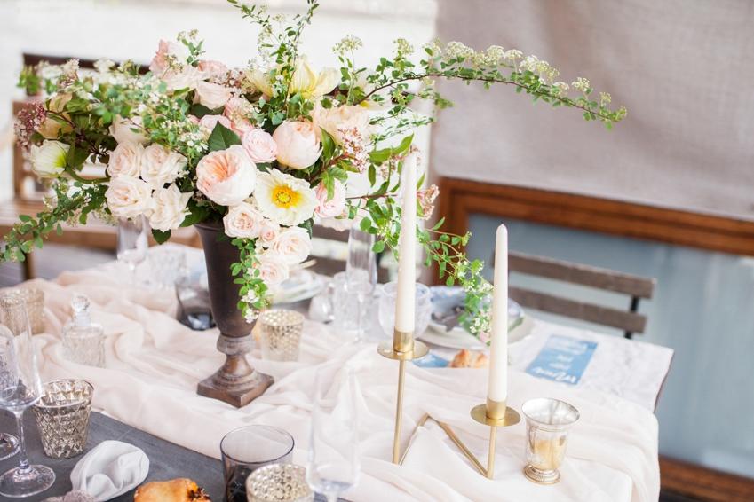 mariage sur une peniche a paris deco sur le theme du voyage l photographe marine blanchard - Peniche Mariage Paris
