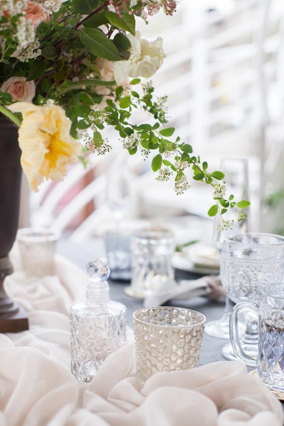 Mariage sur une peniche a Paris deco sur le theme du voyage l Photographe Marine Blanchard l La Fiancee du Panda blog mariage-21