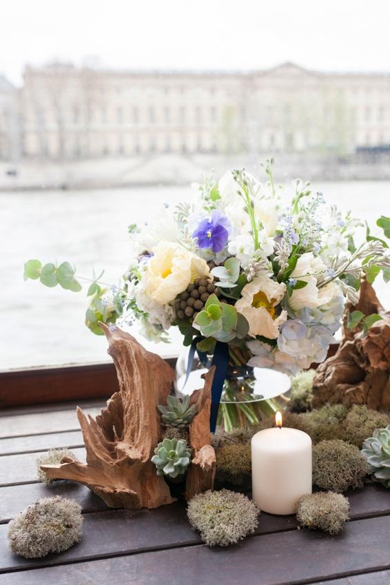Mariage sur une peniche a Paris deco sur le theme du voyage l Photographe Marine Blanchard l La Fiancee du Panda blog mariage-33