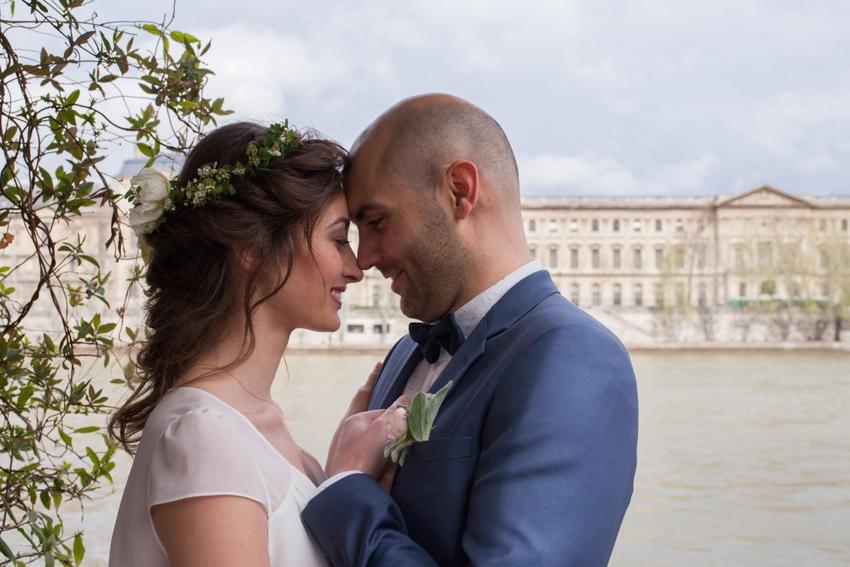 Mariage sur une peniche a Paris deco sur le theme du voyage l Photographe Marine Blanchard l La Fiancee du Panda blog mariage-73