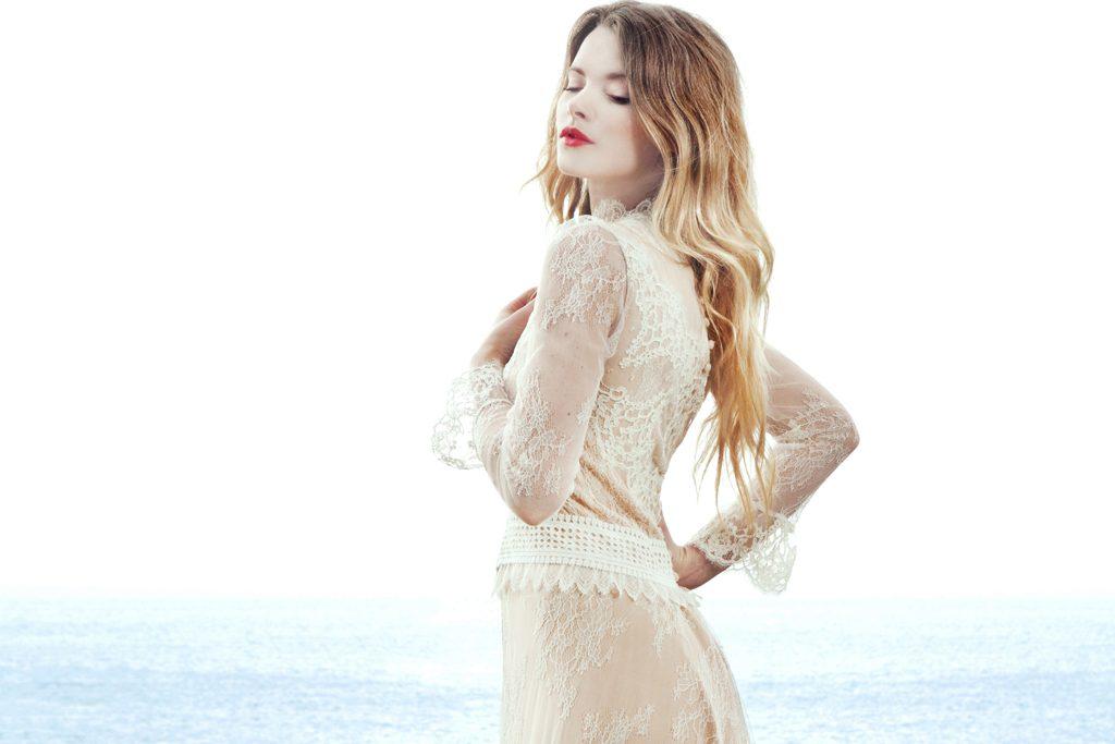 Robe de mariée: le glamour nonchalant de Caroline Takvorian ...