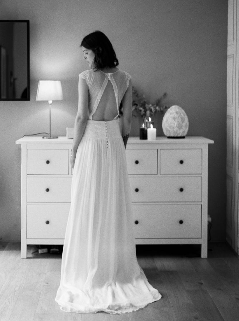 Robe de mariee sur mesure Paris Stephanie Wolff creatrice collection 2017 l Credit photo l'Artisan Photographe l La Fiancee du Panda blog mariage--7