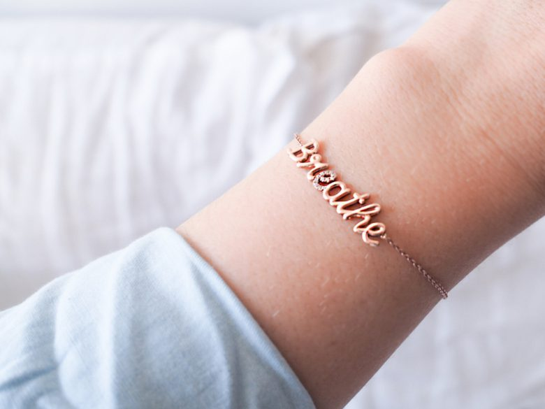 Thea Jewelry bracelet personnalise Deedee Paris avis l La Fiancee du Panda blog mariage et lifestyle-