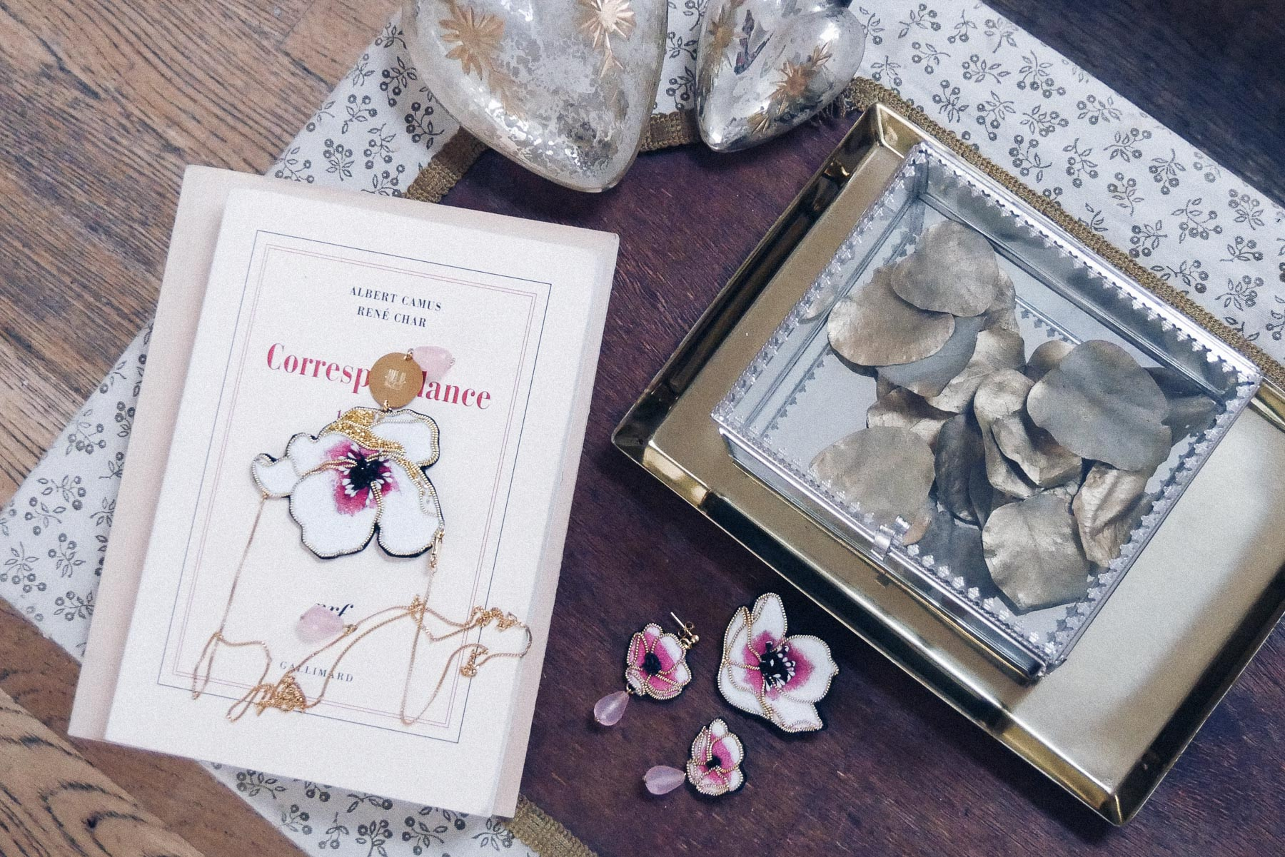 Bijoux de cheveux fait main Nini Peony collaboration La Fiancee du Panda blog mariage et lifestyle-1180636